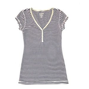 Old Navy Perfect Fit Navy and white T-shirt Small